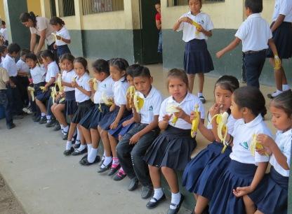 Banasa Refaccion Escolar Un banano al dia