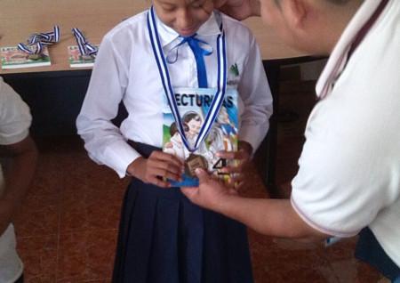 Alumna de Escuela Mojarras ganadora de concurso